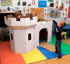 Castillo de cartón / Cardboard castle  #tinytoy #juguetes #toys #jugueteria
