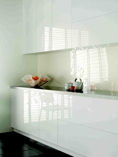 Liking the gloss but need handles!  Laminex ColourTech doors Gloss Polar White.