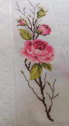 Easy Cross Stitch Patterns, Cross Stitch Bird, Cross Stitch Bookmarks, Cross Stitch Fabric, Simple Cross Stitch, Cross Stitch Flowers, Cross Stitch Designs, Cross Stitching, Cross Stitch Embroidery