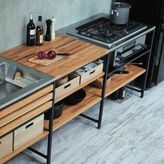 42 Attractive Diy Industrial Kitchen Design Ideas That Look More Comfortable Kitchen Furniture, Kitchen Interior, New Kitchen, Kitchen Dining, Kitchen Decor, Industrial Kitchen Design, Modern Kitchen Design, Unfitted Kitchen, Freestanding Kitchen