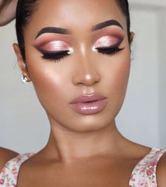 Rose gold eyes with rosy lips makeup | 1001 Rose Gold Makeup Looks, Gold Eye Makeup, Eye Makeup Steps, Eyeshadow Makeup, Skin Makeup, Eyeshadow Palette, Mua Makeup, Beauty Makeup, Too Faced