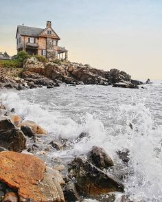 This quintessential New England seaside town might just be better when the temperatures start to dip. Maine In The Fall, Kennebunkport Maine, New England Travel, New England Fall, Seaside Towns, Beach Trip, Beach Travel, Travel Usa, Spain Travel