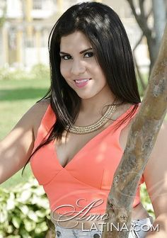 Photos of Latin America woman: Dianne Astrid from Guayaquil, 21 yo, hair color Black