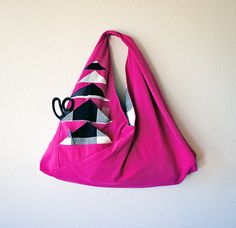 Pocket Full O' Geese Tote by Rebecca Roach of Frybread Quilts and Cuterie | Sew Mama Sew |
