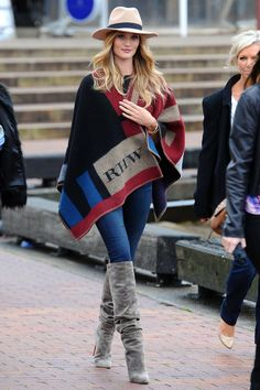 who doesn't love a cozy blanket? better yet… who doesn't love a burberry cape blanket… i'm obsessed with this look!
