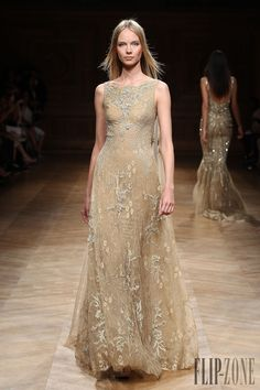 Tony Ward Fall-winter 2014-2015 - Couture - http://www.flip-zone.com/fashion/couture-1/independant-designers/tony-ward-4807