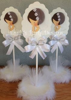 First Communion Centerpiece Christening di designsbyemilys su Etsy Christening Centerpieces, Communion Centerpieces, Communion Decorations, Communion Favors, First Communion Party, Baptism Party, First Holy Communion, Party Time, Diy And Crafts