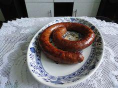 Domáca klobása (fotorecept) - recept   Varecha.sk Sausage, Meat, Food, Sausages, Essen, Meals, Yemek, Eten, Chinese Sausage