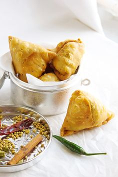 Homemade Punjabi Crunchy Beef Samosa from scratch. The best samosa dough made easy with spiced ground beef and potatoes in the filling. Grilling Recipes, Seafood Recipes, Indian Food Recipes, Asian Recipes, Appetizer Recipes, Beef Recipes, Cooking Recipes, Appetizers, Chicken Recipes