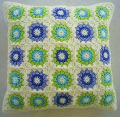 Crochet in blue and green colours with a cream edging granny square cushion cover Crochet Squares, Crochet Granny, Crochet Motif, Crochet Designs, Crochet Stitches, Knit Crochet, Crochet Patterns, Granny Squares, Crochet Pillow Cases