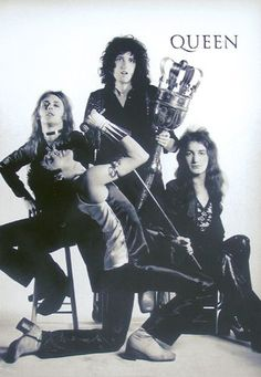 Queen - Freddie Mercury, Brian May, Roger Meddows Taylor, and John Deacon 70s Music, Music Love, Music Is Life, Good Music, John Deacon, Ozzy Osbourne, Pop Rock, Rock N Roll, Queen Rock