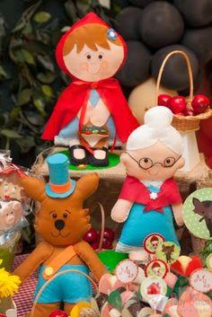 Studio Decor Eventos: Festa Contos Infantis: Chapeuzinho Vermelho com os Três Porquinhos