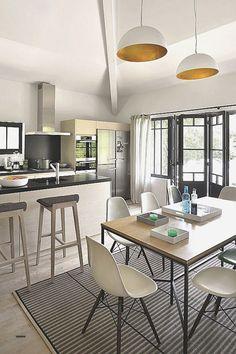 emejing amenagement salon ideas joshkrajcik us Kitchen Time, Kitchen Dining, Kitchen Furniture, Home Furniture, Home Interior, Contemporary Interior, Cool Kitchens, Sweet Home, House Design