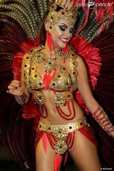 Rio, 2014 - Paloma Bernardi saiu na Grande Rio.  Foto: Foto: AGNews.