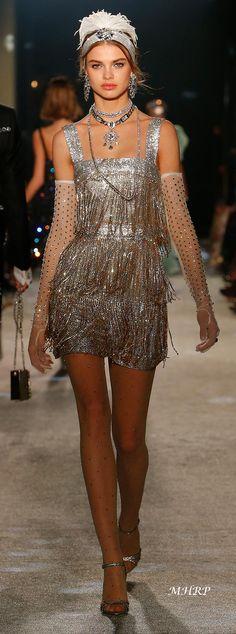 dolce-and-gabbana-fall-winter-2018-19-women-secrets-and-diamonds-fashion-show