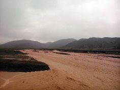 Diversos sectores de Taltal se inundaron luego del desborde de piscinas de contención ubicadas en la comuna. Marzo 2015