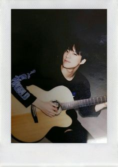 Jeno ll Nct Nct 127, Jeno Nct, K Wallpaper, Dream Chaser, Na Jaemin, Kpop, Fandoms, Playing Guitar, Boyfriend Material
