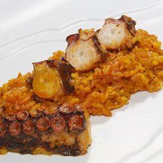 Arroz meloso con pulpo en Alicante.  Muy buena experiencia en un restaurante familiar.  http://www.onfan.com/es/especialidades/san-francisco-de-asis-20/restaurante-la-tartana/arroz-meloso-con-pulpo?utm_source=pinterest&utm_medium=web&utm_campaign=referal