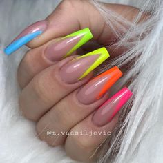 Nail art Christmas - the festive spirit on the nails. Over 70 creative ideas and tutorials - My Nails Acrylic Nail Set, Bright Summer Acrylic Nails, Simple Acrylic Nails, Summer Nails Neon, Summer Nail Polish, Spring Nails, Aycrlic Nails, Neon Nails, Manicure