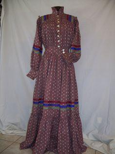 Cherokee Style Dress Native American Dress, Native American Women, Cherokee Clothing, Southern Dresses, Cherokee Woman, Shirt Dress Pattern, Ribbon Skirts, S Girls, Traditional Dresses