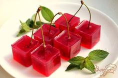 Lahodné cherry v kocke Thai Recipes, Jello, Cherry, Brunch, Food And Drink, Stuffed Peppers, Candy, Cookies, Vegetables