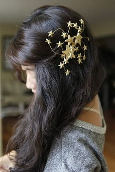Get the directions for this Rodarte-inspired hair barrette here.