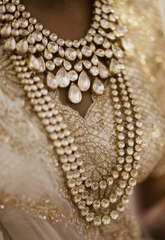The meaning behind this gorgeous wedding dress is so touching.