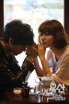 Lee Seung Gi and Han Hyo Joo in Brilliant Legacy Korean Drama Quotes, Korean Drama Movies, Korean Dramas, Drama Film, Drama Series, Live Action, Brilliant Legacy, Shin Min Ah, Crazy Ex Girlfriends