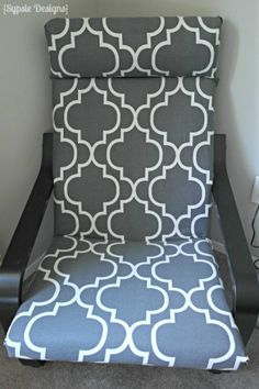 DIY IKEA Poang Chair Cover - DIY IKEA Poang Chair Cover Have an old Poang chair that needs to be recovered? Make it new again with this simple tutorial! Ikea Poang Chair, Diy Furniture Chair, Diy Chair, Retro Furniture, Furniture Dolly, Swivel Chair, Furniture Design, Chaise Diy, Chaise Ikea