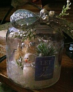 Bottle with trees and snowman Christmas Bulbs, Christmas Crafts, Snow Globes, Snowman, Trees, Bottle, Holiday Decor, Home Decor, Decoration Home