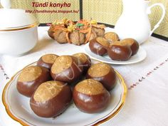 Gesztenyegolyó Baked Potato, Sausage, Muffin, Food And Drink, Baking, Breakfast, Ethnic Recipes, Kitchen, Morning Coffee