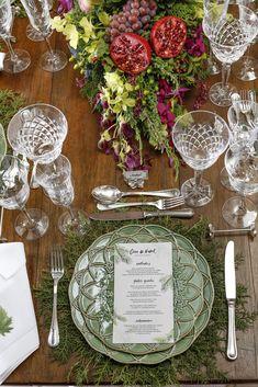 Bordallo Pinheiro para o Natal - Vamos Receber Tablescapes, Floral Arrangements, Sweet Home, Table Settings, Table Decorations, Green, Christmas, Events, Home Decor