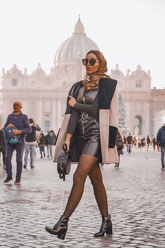 Laurinstyle - - Vatican streetstyle by People Around The World, Real People, Summer Days, Summer Vibes, Italy Street, 24 Years Old, Vatican, Rome, Cool Style