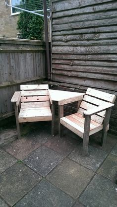 #Pallet #Chair #Bench - 12 DIY Creative Wood Pallet Ideas | Pallet Adirondack Chair and Small Table