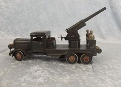 Circa WW2 Tippco Anti Aircraft Gun Lorry Clockwork Tin Plate Toy