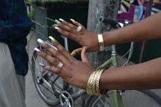 steezy girl's nails. i love it when people prove me wrong.