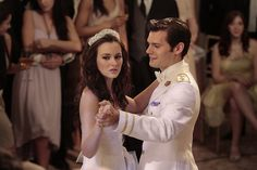 Pin for Later: Look Back at Every Gossip Girl Wedding! Louis and Blair's Wedding During their first dance, Blair is happy that she has her prince — until he tells her their marriage is just a business deal.