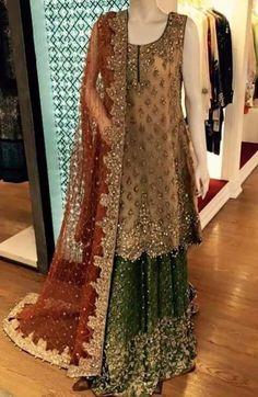 Pakistani Wedding and Party Dresses Pakistani Mehndi Dress, Dulhan Dress, Bridal Mehndi Dresses, Beautiful Pakistani Dresses, Pakistani Wedding Outfits, Pakistani Wedding Dresses, Pakistani Dress Design, Bridal Outfits, Lehnga Dress