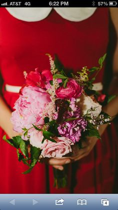 Red bridesmaids dresses were a great backdrop for this cheery bouquet at www.vistawestranch.com