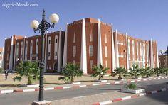 Le siège de la wilaya d'Adrar.