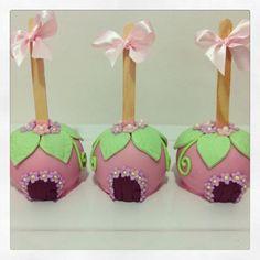 Maçãs decoradas fadas festa jardim das fadas  #maca #macasdecoradas #fadas #fadinhas #macacomchocolate #festajardim #festajardimdasfadas #festajardimencantado