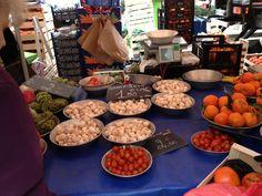 Acheter en vrac au marché !  Marché Saint-Louis. Mardi, vendredi et dimanche matin  #bio #vrac #lyon #zerodechet #zerowaste Saint Louis, Mardi, Bio, Dairy, Cheese, Sunday Morning