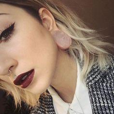 Our Instagram friend Axelle. Rose quartz teardrop plugs, circular bar-bell septum and labret.