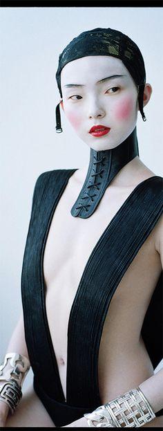 Oriental Inspired Couture Captures : Vlada Varnavskaya L'Officiel Thailand