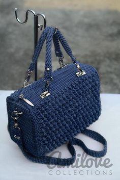 Ravelry: Red Bobble Stitch Hand Bag pattern by Indri Safitri ergahandmade: Crochet Bag + Diagram + Step By Step Tutorials Crochet beautiful and feminine elegant blue handbag. Free patterns for crochet blue handbag Sizes and Finished Measurements How Mk Handbags, Blue Handbags, Crochet Handbags, Crochet Purses, Bead Crochet, Free Crochet, Bobble Stitch, Mk Bags, Basket Bag