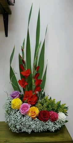 Gladiolus Arrangements, Funeral Floral Arrangements, Easter Flower Arrangements, Creative Flower Arrangements, Ikebana Flower Arrangement, Beautiful Flower Arrangements, Beautiful Flowers, Altar Flowers, Church Flowers