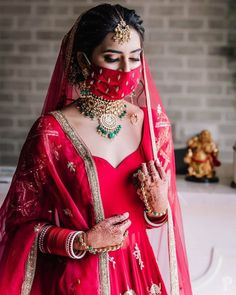 This viral bride has got everyone talking over her two wedding looks! ❤️💛😍 At least we still be getting some new desi bridal bliss to appreciate these days 🙌🏽✨💄💅🏽 Photo by Bride- Outfit- MUA- Jewellery - Punjabi Wedding, Saree Wedding, Wedding Bride, Wedding Ideas, Wedding Pics, Wedding Trends, Wedding Planning, Bridal Mask, Bridal Makeup