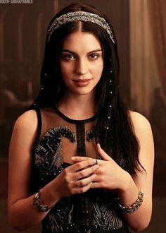 Adelaide Kane - REIGN TV Series Promoshoot, Adelaide Kane Style, Outfits, Clothes and Latest Photos. Adelaide Kane, Queen Mary Reign, Mary Queen Of Scots, Red Queen, Mary Stuart, Reign Characters, Serie Reign, Isabel Tudor, Reign Tv Show