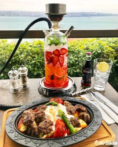 many people feels smoking shisha is bad but there are many advantages of shisha which are good for the body ,place your order right whatsapp Diy Hookah, Hookah Lounge Decor, Hookah Smoke, Hookah Pipes, Cafe Design, Food Design, Bodega Bar, Nightclub Design, Looks Yummy