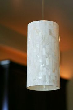 mother-of-pearl-cylinder-modern-pendant-light-island-kitchen-web.jpg (432×648)